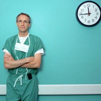 длительность операции по увеличивающей маммопластике